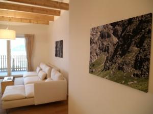 ferienwohnung-gipfelgluehen-couch-bilder