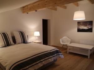 ferienwohnung-gipfelgluehen-master-bedroom2